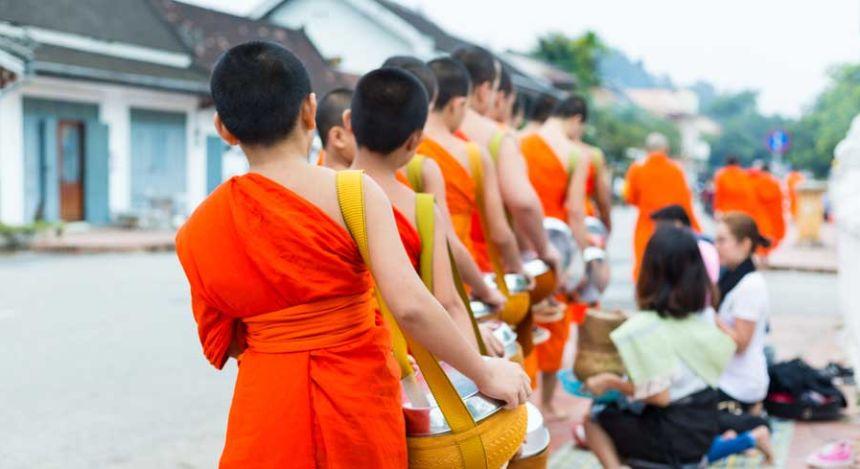 Mönche in Luang Prabang auf Laos