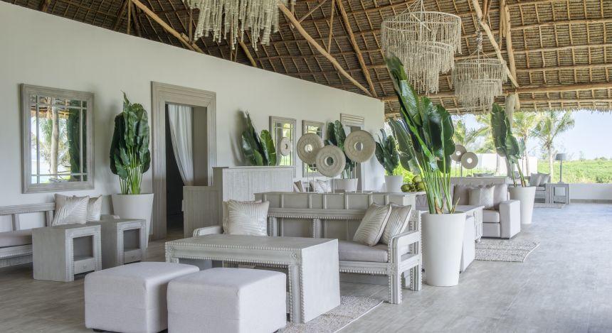 Überdachter Sitzbereich im Hotel Zawadi auf Sansibar in Tansania