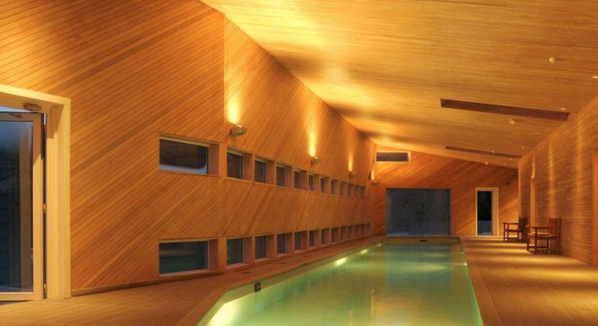 Spabereich mit Pool