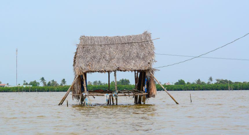 Halong Bay or Mekong Delta: rest stop