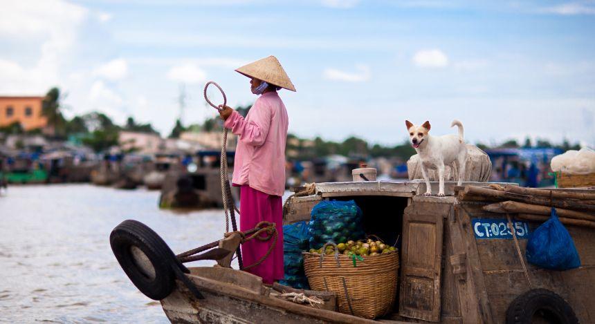 Halong Bay or Mekong Delta: At the floating market