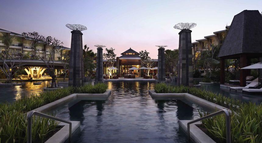 Außenansicht des Sofitel Bali Nusa Dua Beach Resorts auf Bali