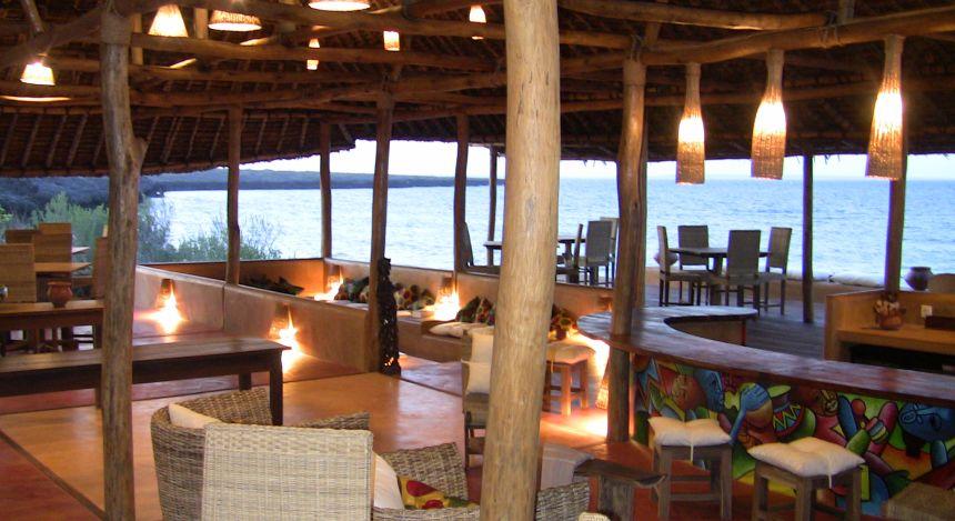 Restaurantbereich im Nuarro Lodge Hotel in Memba Bay, Mosambik