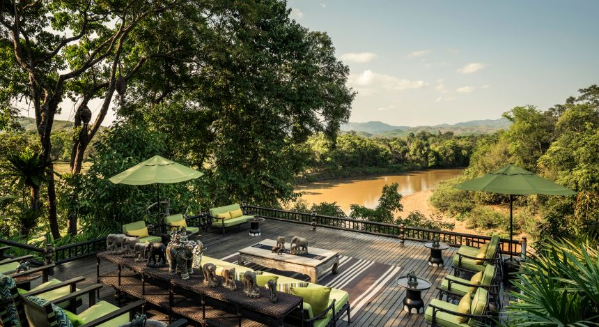 Terrasse des Four Seasons Tented Camp, Golden Triangle Hotels in Chiang Saen, Thailand