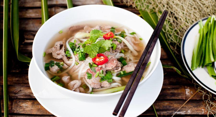 Street Food Vietnam: Pho