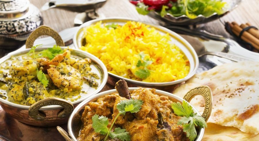 Nordindisches Essen: Reis und Curry