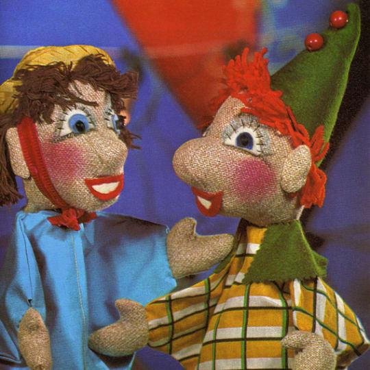 Dementia friendly Vintage Puppet Friends - A4 (210 x 297mm)