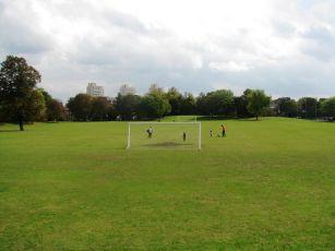 Larkhall_Park_1.jpg