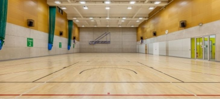 Streatham_Ice_and_Leisure_Centre_-_04_02_2016_sports_hall.jpg