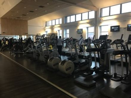 Thamesmere_Leisure_Centre_Main_Gym.JPG