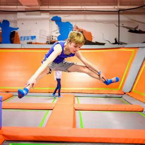 trampolining 287