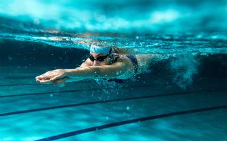 Swimming under water 330
