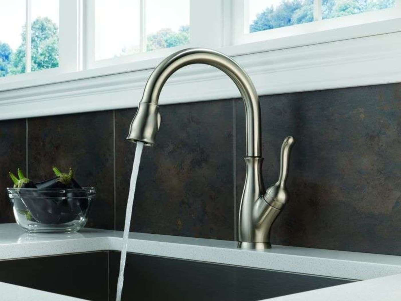 Delta Leland Venetian Bronze Single Handle Pull-Down Kitchen Faucet ...