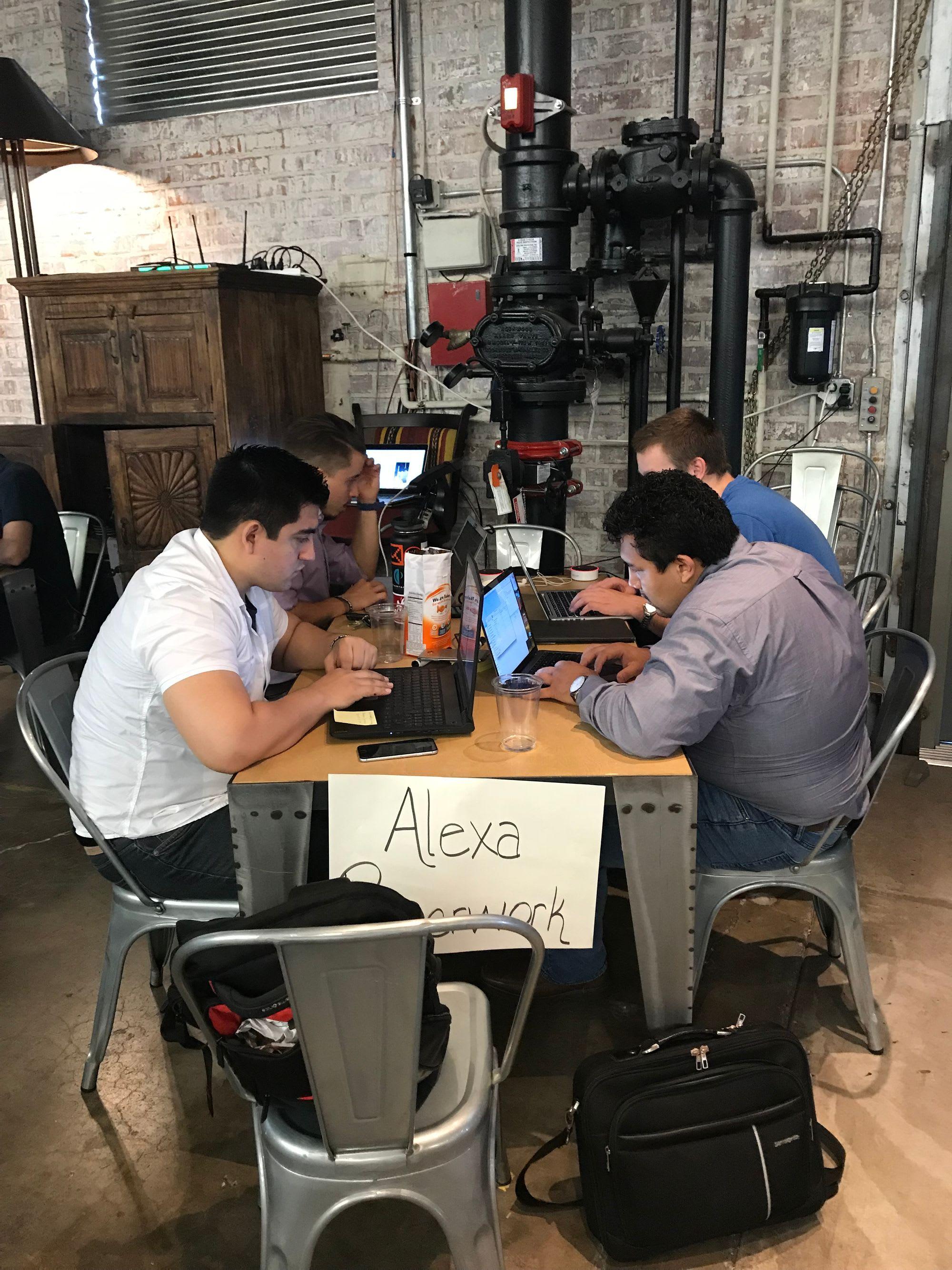 En tecnología, sentarnos a esperar ya no es opción para los latinos