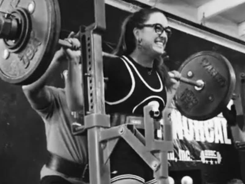 Powerlifters Who Girl