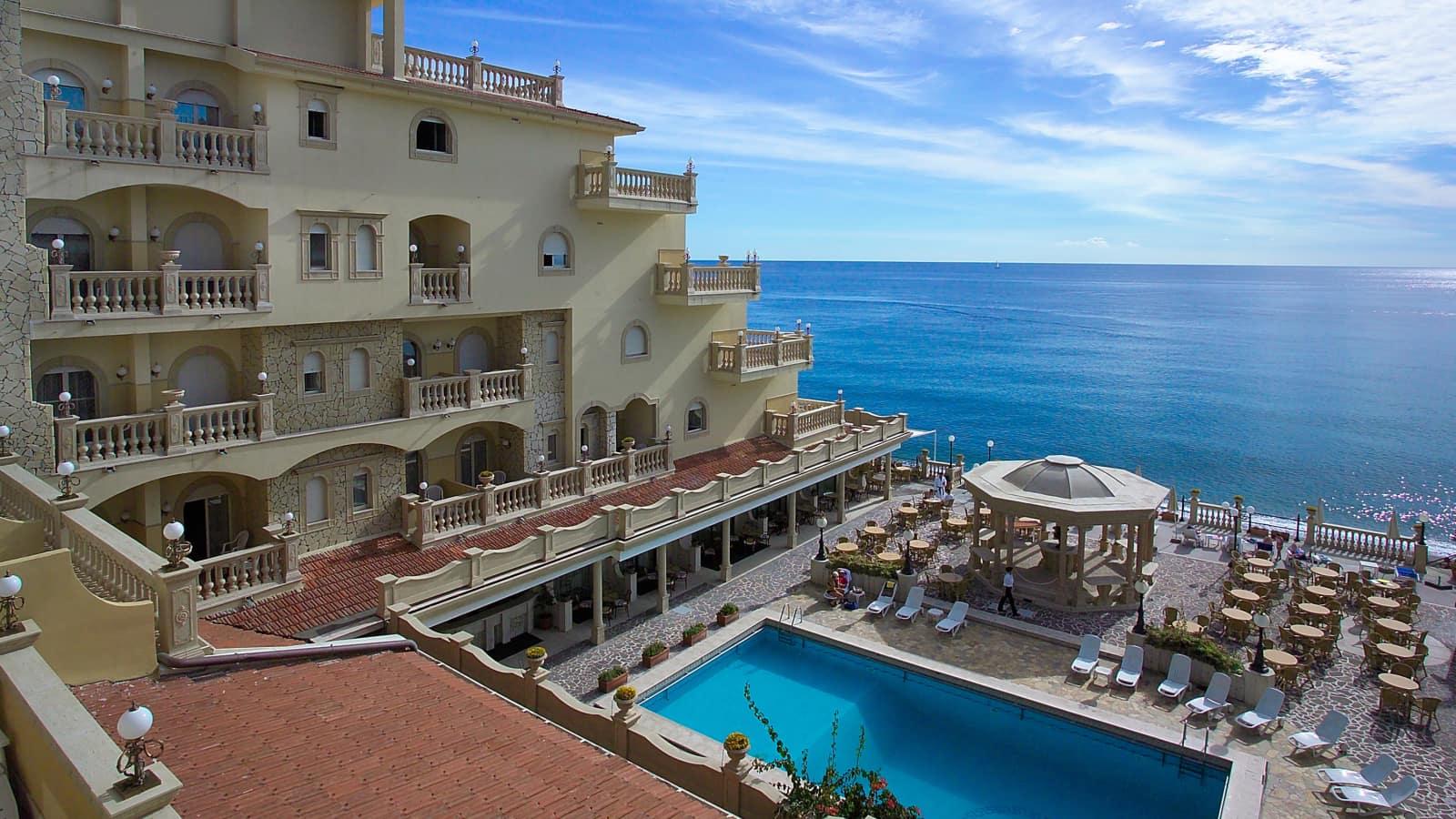 Hotel hellenia yachting giardini naxos sicily topflight for Giardini naxos sicilia