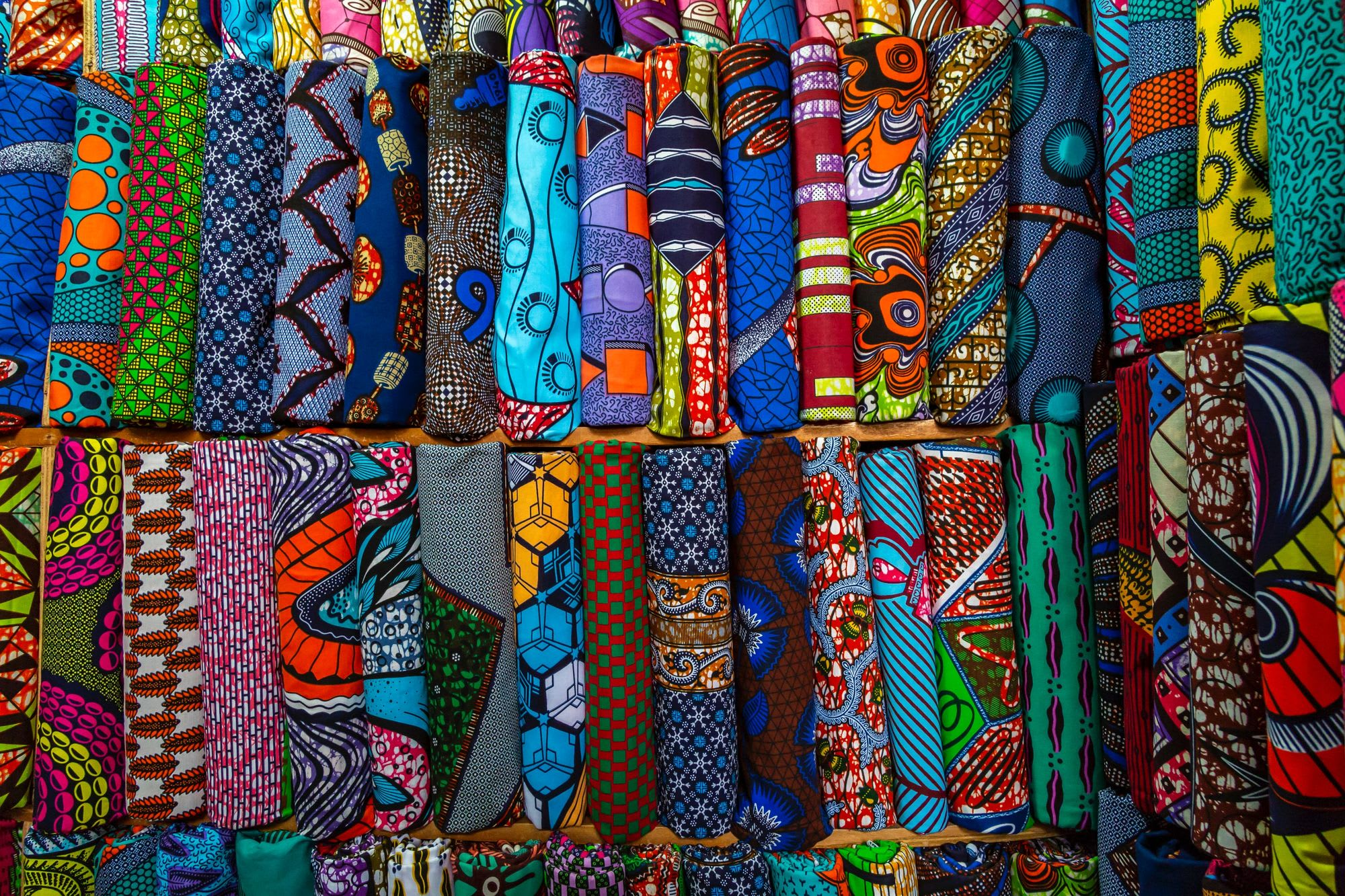 How to Maintain the Shine and Brightness of Ankara Fabric with Hand-Washing