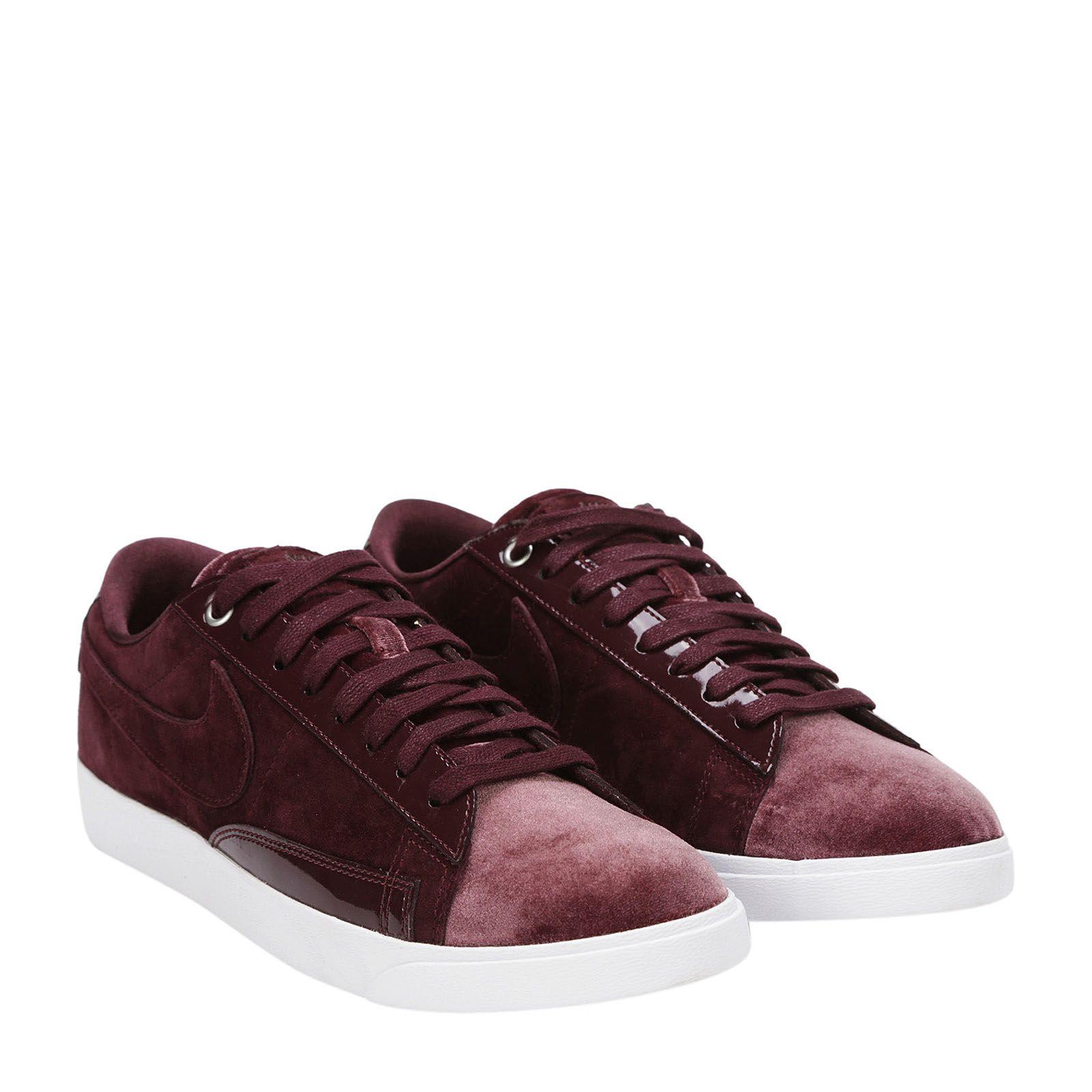 Nike Nikecourt Royale Sneakers