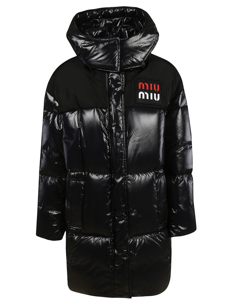 LONG QUILTED LONG LOGO PATCH PADDED JACKET