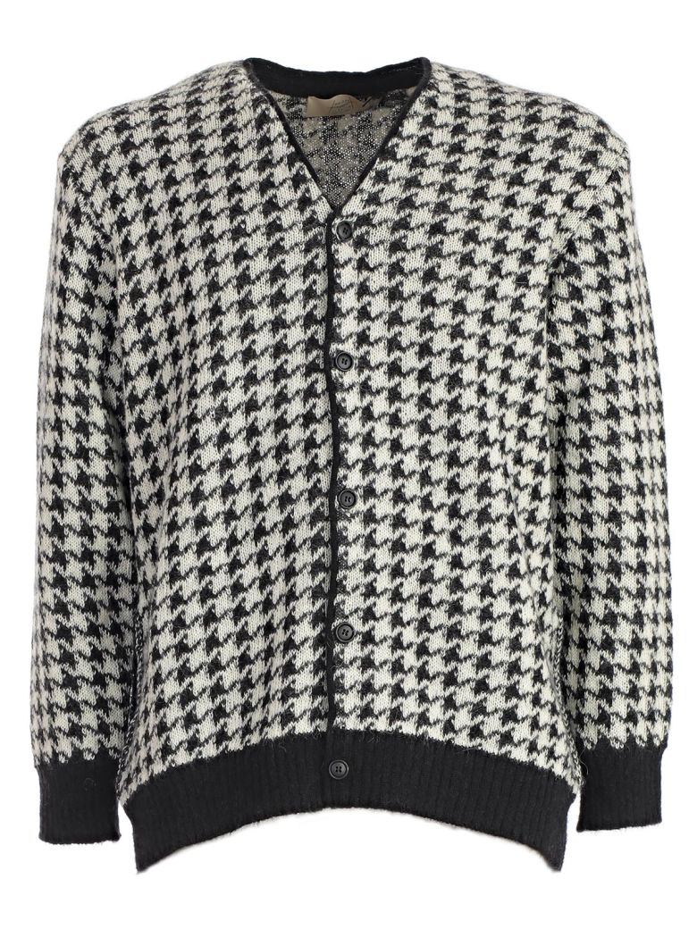 MAISON FLANEUR Houndstooth Cardigan in White