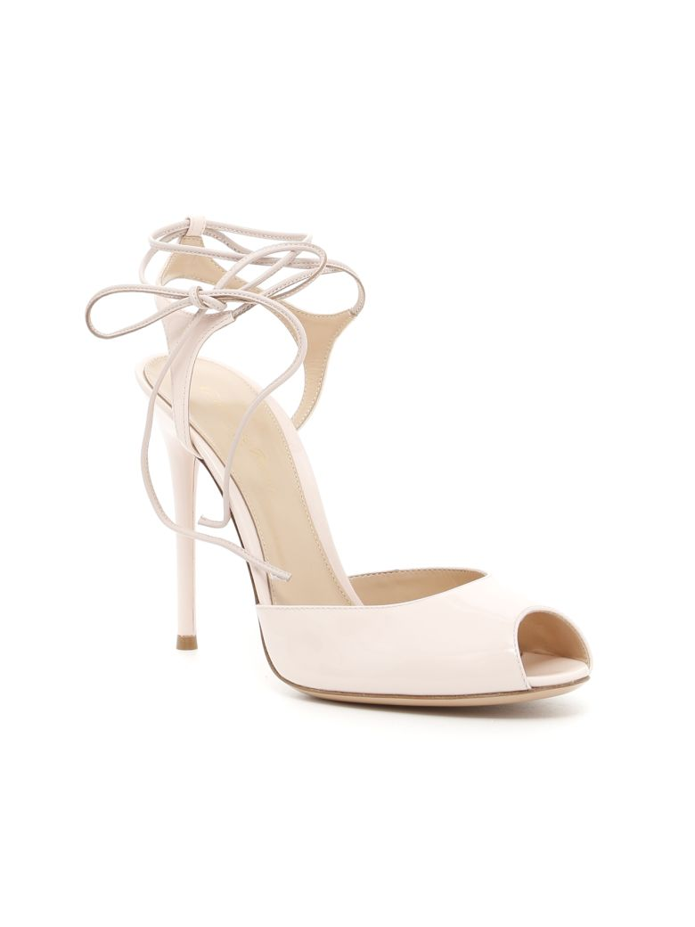 PATENT MUSE SANDALS