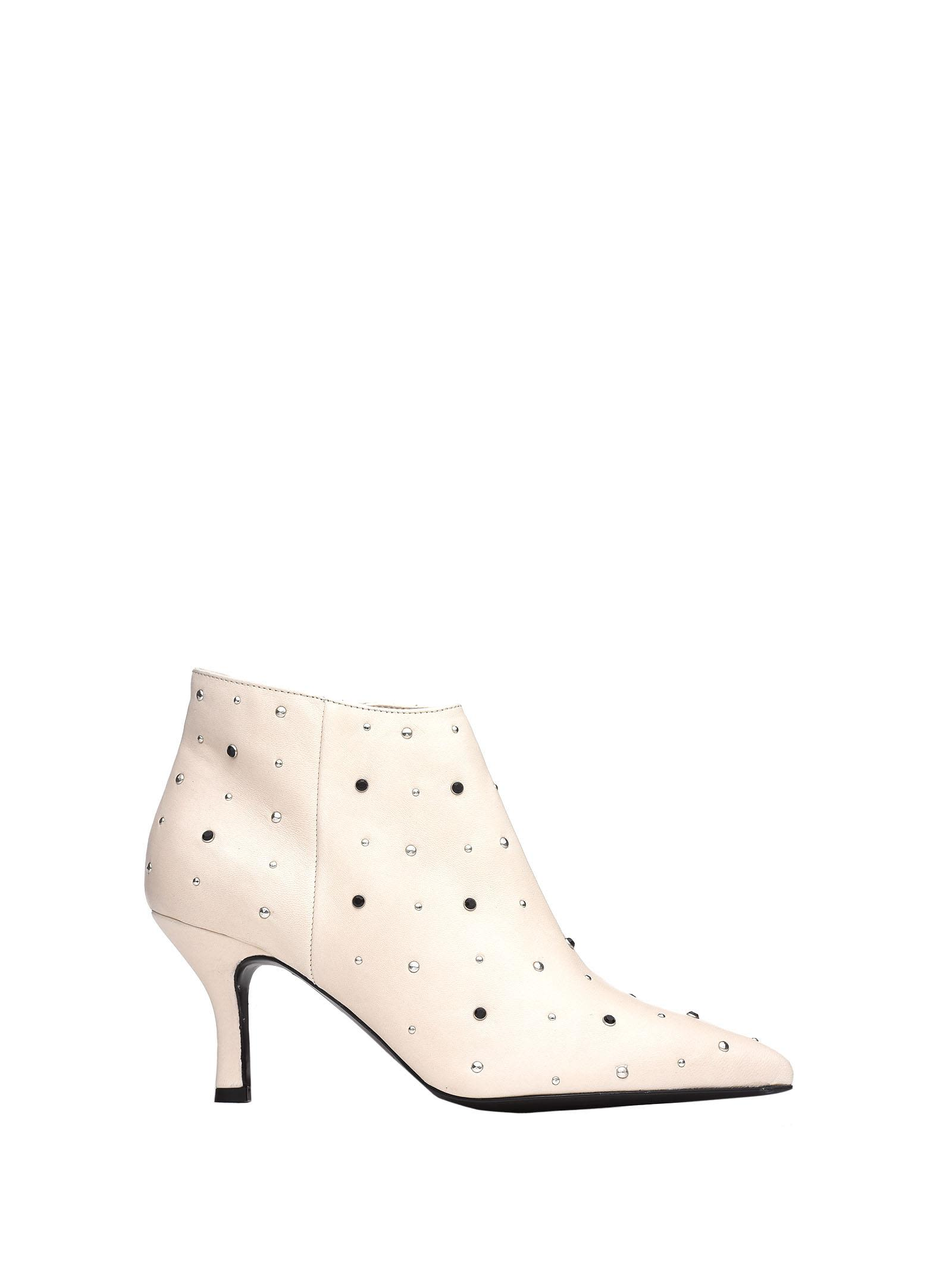 JANET&JANET White Ankle Boot With Studs in Panna