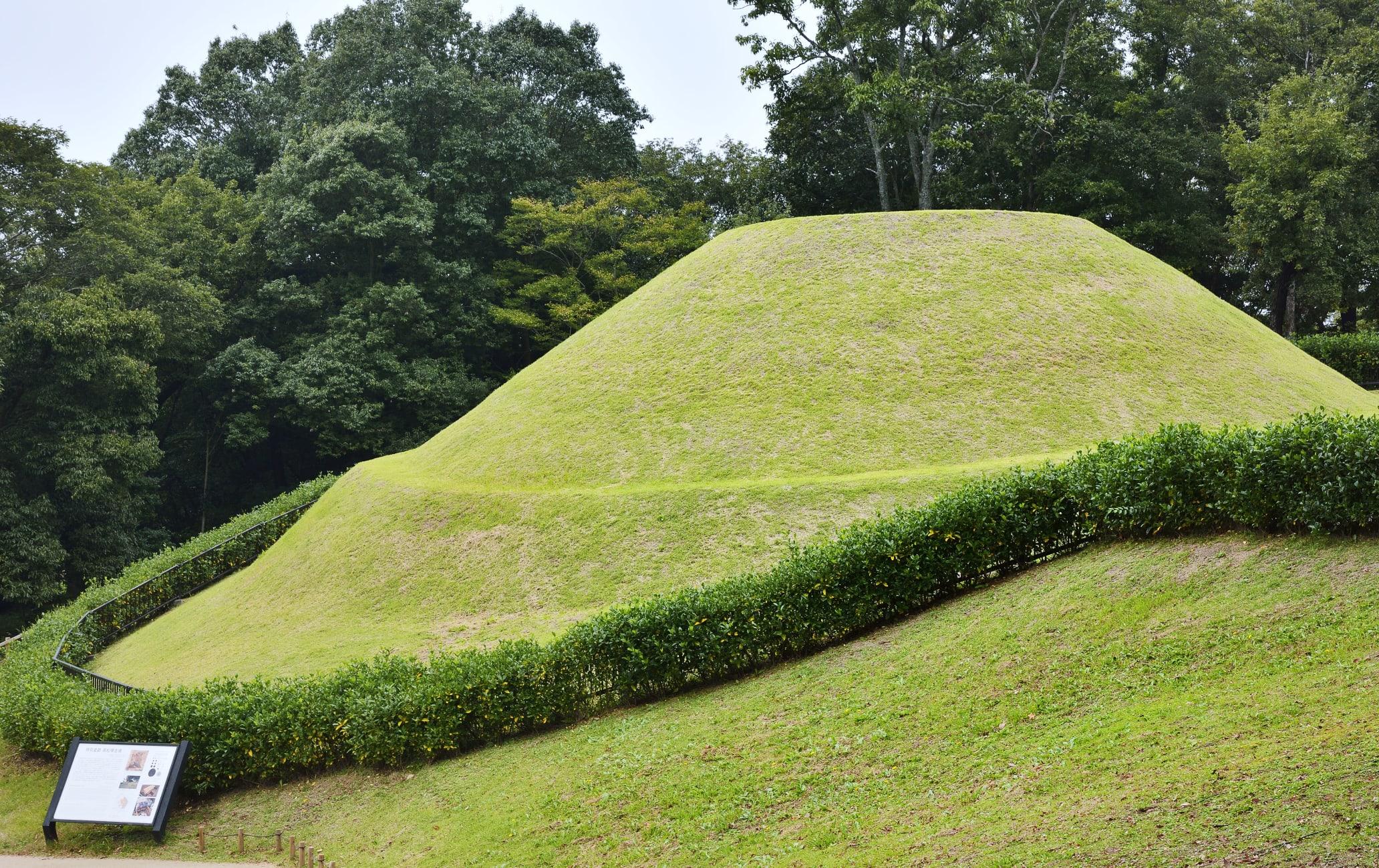 Takamatsuzuka burial mound