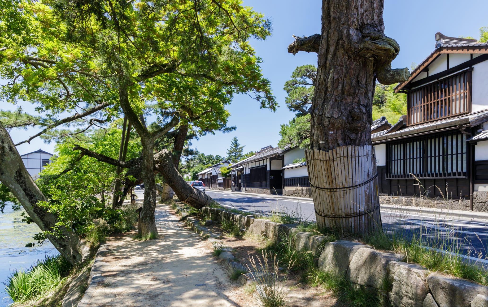 Shiomi-nawate Street