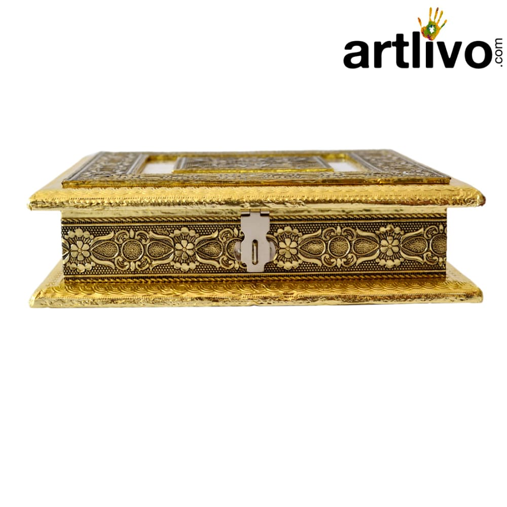 Uber Elegant Golden Square Box