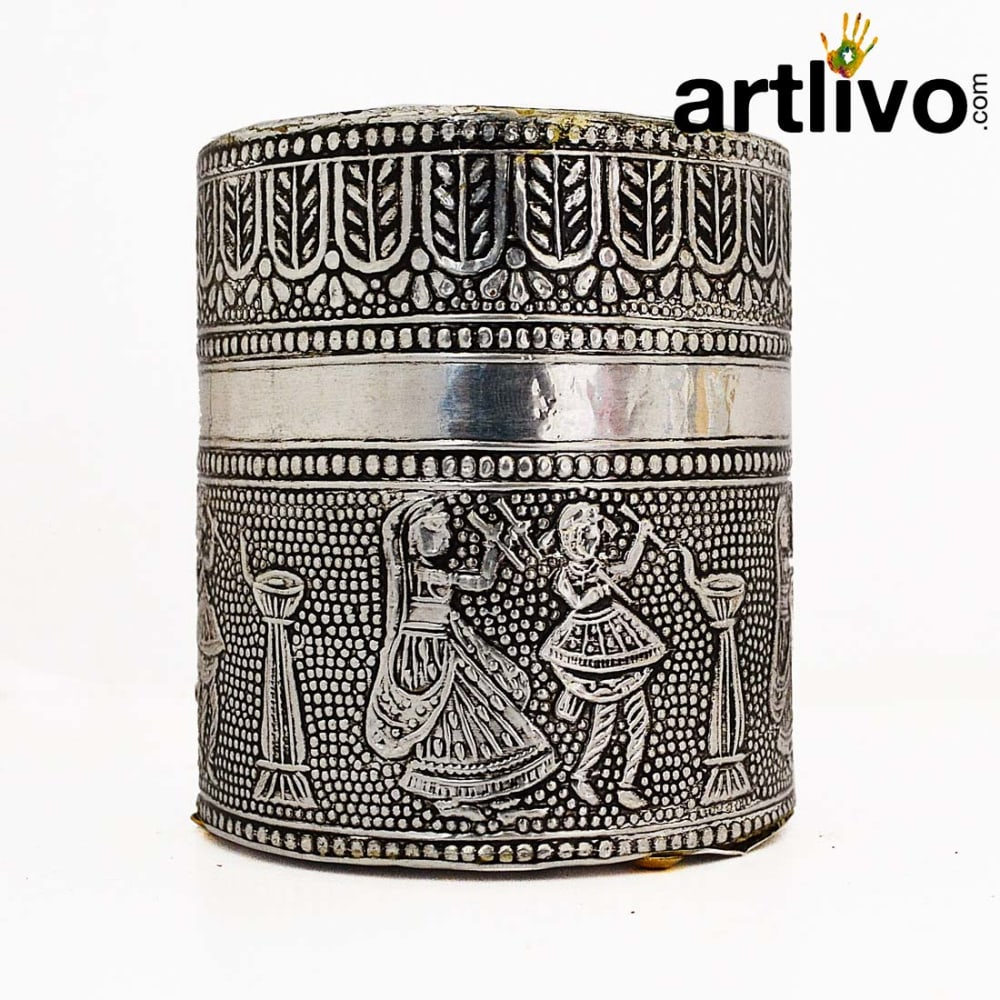 SHINE Silver Metal Round Pen Holder With Antique