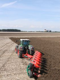 Kverneland EO-LO robust legs provides protection to the heaviest soils