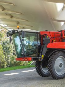 Kverneland iXdrive S6, Self propelled sprayer, high performance, driving comfort and up to 6100 litres tank