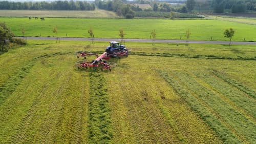 Four Rotor Rakes - Kverneland 95130C Pro, simple electric control and high performance on field