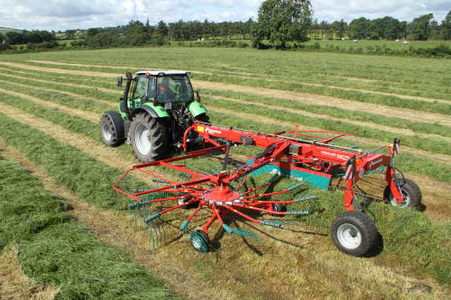 Double Rotor Rakes - Kverneland 9580 C - 9584 C - 9590 C Hydro, heavy duty rakes which performs in the toughest conditions