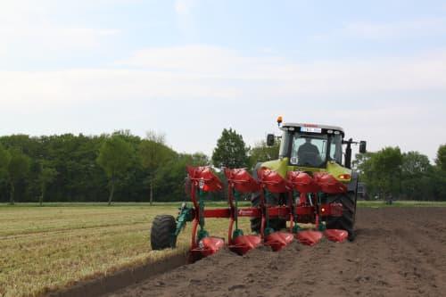 Kverneland 150 B Variomat aims at small to medium size farms