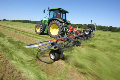 mounted tedders - VICON FANEX 554-684-764-904-1124, Central adjustment for border spreading keeping the crop inside the field.