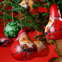 Christmas Mini Mix combined with selected regular Christmas gourds.