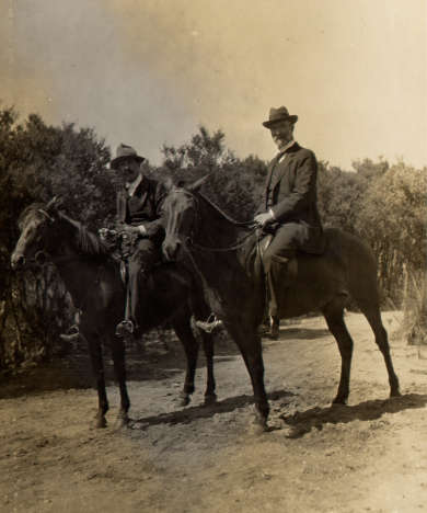 Herbert Robinson Brookes and Alfred Deakin on horseback, 1910