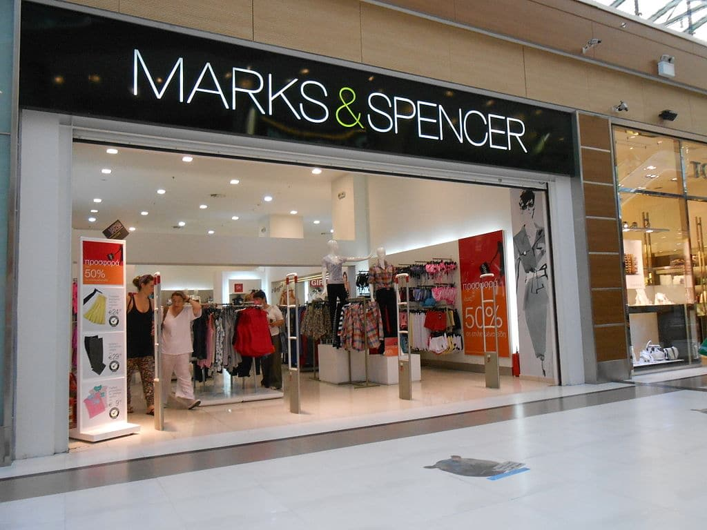 Marks & Spenser closing stores