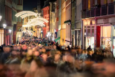 Retail Footfall Fell 3.2% Year on Year in November Since Recession
