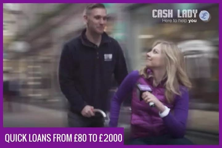 Cashlady interviewing a man about quick loans