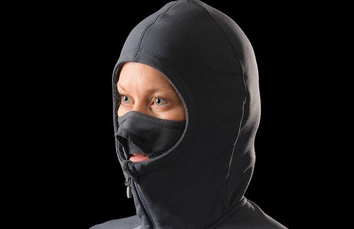 Norrøna lyngen powerstretch pro hoodie for women - integrated face mask
