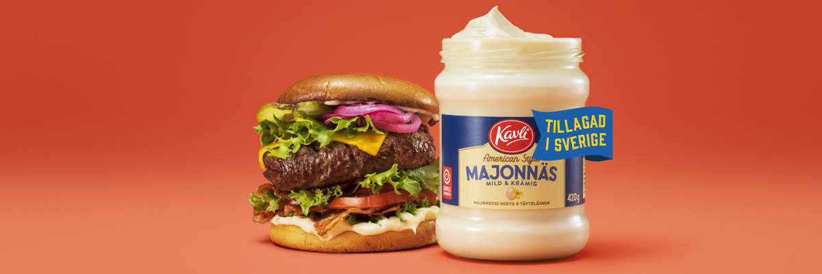 Bild av grillad hamburgare och Kavli American style majonnäs