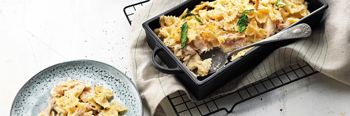 Snabb pastagratäng med kyckling