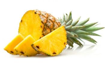 Pineapple Applesauce Matzah Kugel