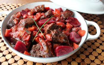 Herbed Beef and Beet Stew