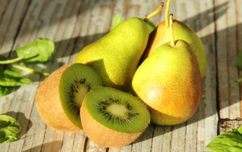 Kiwi and Pear Smoothie