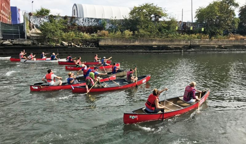 Gowanus Dredgers Canoe Club: Brooklyn Canoe Tour: Sunset Gowanus Canal Voyage