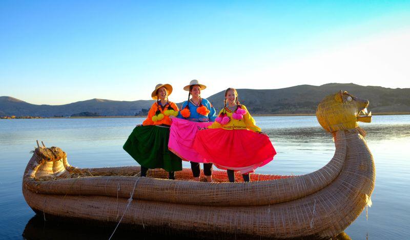 RedTurc: Lake Titicaca Community Tour: Explore the Uros Floating Islands