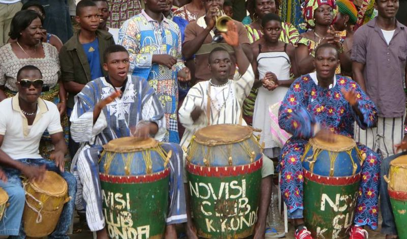 Voisins Solidaires Togo: Togo Musical Experience: Play and Dance to African Percussion!